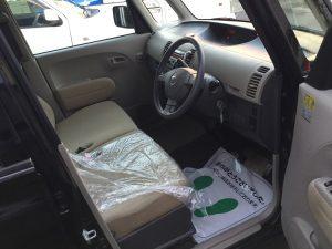 タント 運転席