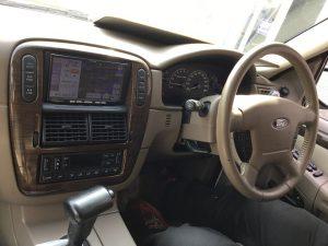 運転席エクスプローラー